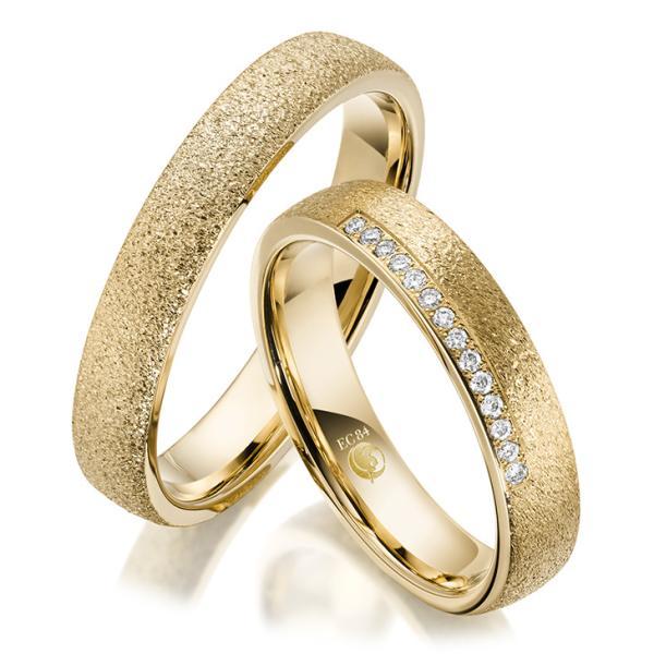 Rubin Trauringe Eheringe 1606 Gelbgold Gold strukturiert diamantiert