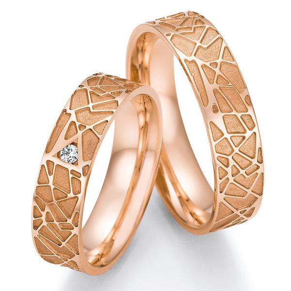Collection Ruesch Trauringe Rotgold 66/63030 & 66/63040 mit einem Diamanten